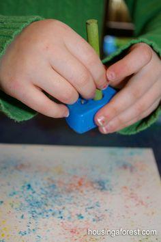 Watercolor Crayon Shavings tailler des crayons cire puis recouvrir d'une feuille de papier cuisson et repasser?