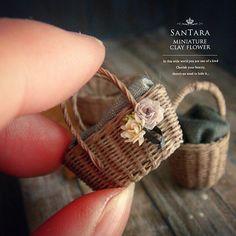 コミカレ持ち物について . 今月は粘土も使います。 . いつも通りのお持ち物をお忘れなく(^-^) . どうぞ宜しくお願いいたします。 .......... #miniature #mini #flower #art #clay #rose #handmade #kawaii #dollhouse #wreathe #artist #clayflower #instagood #webstagram #antique_r_us #instagramjapan #樹脂粘土 #クレイフラワー #ミニチュア #花 #花束 #フラワーアート #ドールハウス #フラワーリース #フラワーアレンジ #バラ #薔薇 #アンティーク #ハンドメイド #ドライフラワー