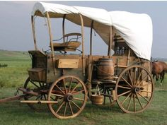 Toy Wagon, Horse Wagon, Horse Drawn Wagon, Vieux Wagons, Wooden Wagon, Old Wagons, Chuck Wagon, Covered Wagon, Craft Fair Displays