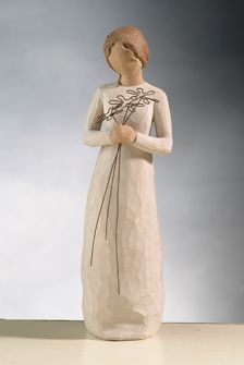 """Grasping on to new bloomed flowers, the Willow Tree Grateful Family figurine stands at 9 inches tall and reads """"I'm so grateful for your friendship. Willow Tree Figures, Willow Tree Angels, Willow Figurines, Willow Tree Family, Whittling, Grateful, Beautiful, Friendship, Carved Wood"""