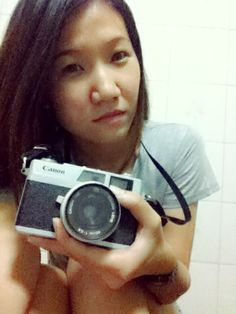 Canon Canonet 28 with cat =^,^=