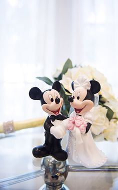 Celebrate your love for Disney on your special day with Mickey and Minnie Mouse wedding decor