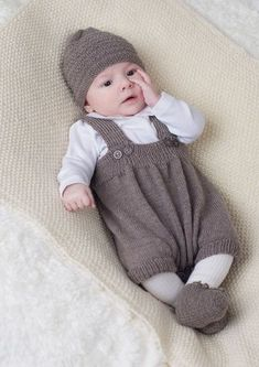 Baby Pants and Rompers Knitting Patterns Knitting patterns for layette units Baby knitting patterns unfastened (Visited 1 times, 1 visits today) Knitting Patterns Boys, Baby Boy Knitting, Knitting For Kids, Baby Patterns, Free Knitting, Knitting Books, Layette Pattern, Baby Overalls, Baby Layette