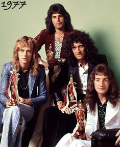 From left to right roger Taylor, freddie Mercury, Brian May, John Deacon John Deacon, Queen Freddie Mercury, Queen Band, Brian May, Freddie Mercuri, Hard Rock, Die Queen, Queen Queen, Roger Taylor Queen