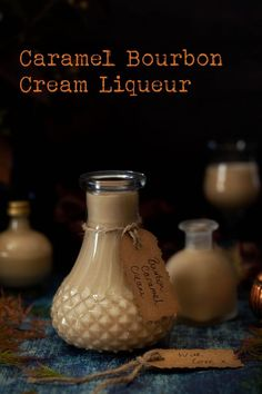 Caramel Cream Liqueur with Bourbon Bourbon Cocktails, Cocktail Drinks, Cocktail Recipes, Bourbon Whiskey, Party Drinks, Drinks Alcohol Recipes, Non Alcoholic Drinks, Beverages, Drink Recipes