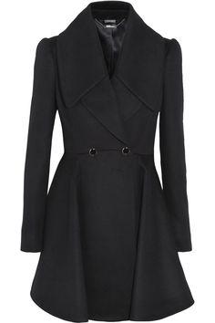Alexander McQueen black wool-crepe coat. #fall #classic #dreaming