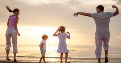 hábitos das famílias altamente felizes   Conhecer e desenvolver alguns hábitos saudáveis pode ser um grande diferencial para a edificação da felicidade familiar.