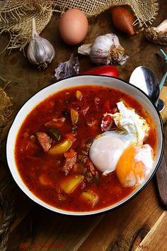Lekki mróz i tak daje się we znaki. Gorąco polecamy naszą pyszną rozgrzewającą zupę, którą popełnicie w około 30 min. Soup Recipes, Diet Recipes, Recipies, Polish Recipes, Polish Food, Carne, Chili, Food And Drink, Tasty