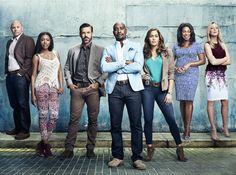 Regresa a FOX Life para resolver los casos más complicados en la segunda temporada de Rosewood, descúbrelos en café y cabaret.