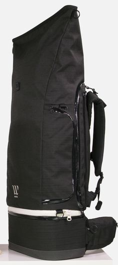 6ffe0f3317474 WAYKS ONE is a modular travel backpack that can be converted into a smaller  day pack