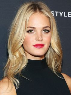 Erin Heatherton's bright raspberry lip and loose waves