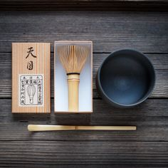 These Starter Kits feature hand crafted Chawan (Tea Bowl), Chasen (Bamboo Whisk). Matcha Set, Matcha Whisk, Matcha Bowl, Coffee Humor, Funny Coffee, Ceramic Houses, Chawan, Tea Bowls, Cupping Set