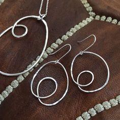 silver-curl-earrings