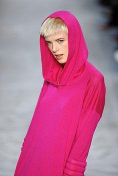 , #fashion, #agynessdeyn, #runway, #pink, #hoodie, #fall, #winter