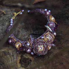 """Колье по мотивам беленького. Колье назвалось """"Лесная Роза"""" , оно рогатое и необычное / """"Forest Rose"""" necklace with unusual elements…"""