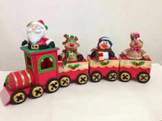 Tren navideño foamy Christmas World, Christmas Clay, Christmas Train, Plastic Canvas Christmas, Christmas Sewing, Christmas Projects, Vintage Christmas, Christmas Ornaments, Xmas Decorations