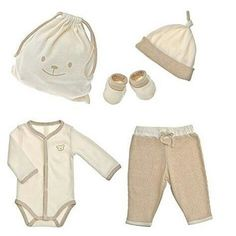 One of our lovely sets made with 100% organic cotton. Perfect for your baby  #organiccotton #organic #baby #parenting #set #fashion #babyfashion #style #healthy #natural #bio #cute #newborn #mama #mother #breastfeeding #eco #ecochic #madeinportugal #naturapura #vegan