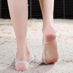 Hot 2 Pcs Silicone Hallux Valgus Bunion Relief Footcare Toe Separators Straightener Corrector 67TX