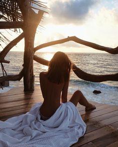 Waking up in a dream - Tulum, Mexico // by Jessica Stein - Tuula Foto Glamour, Beach Boudoir, Foto Pose, Beach Girls, Blue Beach, Bikini Photos, Beach Pictures, Summer Of Love, Men Summer
