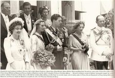 Wedding of King Michael of Romania and Anne of Bourbon-Parma. L to R: Queen Frederika, bride and groom, Queen Helen of Romamia, King Paul of Greece. Royal Family News, British Royal Families, Parma, Adele, Romanian Royal Family, Greek Royalty, Queen Mary, Queen Anne, Extraordinary People