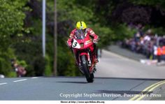 The Master at work.....Joey Dunlop at Bray Hill in TT 2000 on a Honda VTR 1000