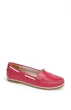 Free shipping and returns on Naturalizer 'Hanover' Flat at Nordstrom.com. Supple leather perfects the ease of a comfort-minded, moc-stitched flat.