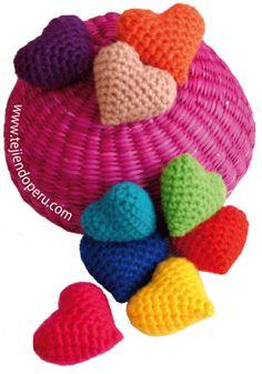 Crochet paso a paso: corazones amigurimi!