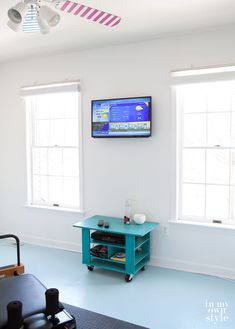 How To Hide Cords On Wall Mounted TV - Having a big screen TV mounted on your wall is ideal for saving space and excellent viewing but the cords can be ugly Hide Cords On Wall, Hide Tv Wires, Hiding Wires, Hiding Cables, Hidden Tv, Wall Mounted Tv, Home Repairs, Diy Home Improvement, Home Hacks