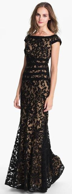 Magnificent Lace Mermaid Gown, wish I had some where fancy to go!