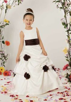Pretty But Maybe A Little Too Dressy For Four Year Old Lady Princess Flower Dress Clothing 10 Pinterest