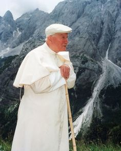 Risultati immagini per juan pablo ii en la montaña Saint Jean Paul Ii, Pope John Paul Ii, Saint John, Paul 2, Mother Teresa, Mother Mary, Catholic Saints, Roman Catholic, Papa Juan Pablo Ii