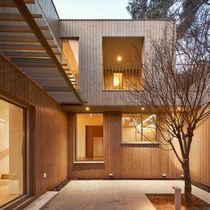서울 평창동, 주택 Luxury Interior, Garage Doors, Studio, Architecture, Outdoor Decor, Modern, House, Home Decor, Ideas