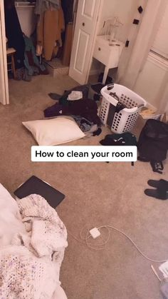 Been doing this for years and it works everytime! Some of you said it's super overwhelming when you're in a bad mindset so I thought this could help😊 Amazing Life Hacks, Simple Life Hacks, Useful Life Hacks, Clean Bedroom, Room Ideas Bedroom, Room Cleaning Tips, Cleaning Hacks, House Cleaning Checklist, Girl Life Hacks
