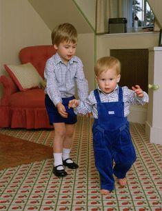 Porque tener un hermano es un regalo... recordamos las imágenes más entrañables de los Windsor - Foto 11
