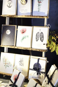 DIY greeting card display - a great craft fair idea. Would be great for prints too