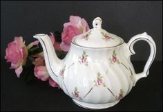 SOLD!  THANK YOU!  Sadler England Teapot  Roses and Lattice by SusansShopSelections