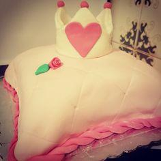 Princess cake for my lovely friend! #princess #crown #sugarpaste #birthday #cake #pink #cushion