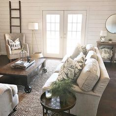 Top 5 Family Room Decorating Ideas, Designs & Decor #FamilyRoomIdeas #FamilyRoom