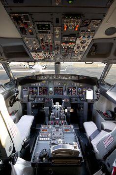 35000-feet-above-this-world:  United Boeing 737-900ER flight deck.