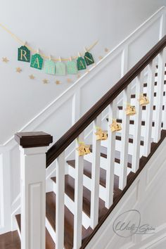 A festive and decorated staircase will make you smile as you pass it by everyday in Ramadan. Small Lanterns, Wooden Lanterns, Ramadan Decorations, Table Decorations, Iftar Party, Glittering Lights, Adobe, Plush Carpet, Prayers