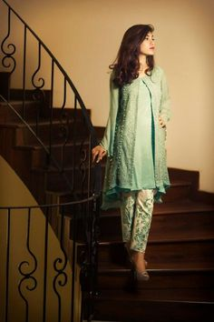 Latest Designs Pakistani Fashion Short Frocks With Capris 2017 Pakistani Party Wear, Pakistani Couture, Pakistani Dresses Casual, Pakistani Dress Design, Indian Dresses, Indian Outfits, Stylish Dress Designs, Designs For Dresses, Stylish Dresses