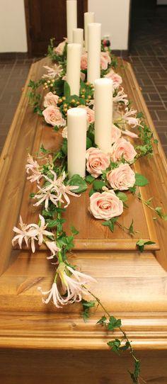 floristenjohanna.blogg.se - Blommor till begravning Funeral Arrangements, Flower Arrangements, Casket Sprays, Funeral Flowers, Wreaths, Table Decorations, Floral, Inspiration, Fashion