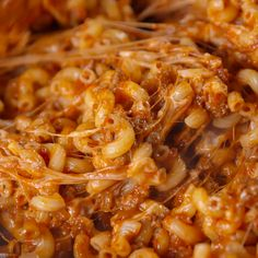 Bolognese is too high-brow for a busy weeknight you need sloppy joe mac n cheese Get the recipe at pasta easyrecipes macandcheese dinnerideas recipe easy sloppyjoe casserole Beef Recipes, Chicken Recipes, Cooking Recipes, Vegan Recipes, Tasty Food Recipes, Pasta Recipes Video, Pasta Recipies, Cheap Recipes, Fun Recipes