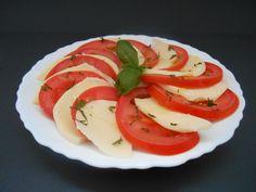 SALADE CAPRESE (TOMATE & MOZZARELLA) Salade Caprese, Tomate Mozzarella, Entrees, Food, Balsamic Vinegar, Kitchens, Salads, Italian Salad, Lobbies