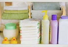 Nine easy, no-stress ways that new and expecting moms can get boxes full of baby freebies and coupons from their favorite brands and companies. Getting Pregnant Tips, Pregnant Mom, Getting Ready For Baby, Preparing For Baby, Pregnancy Signs, Pregnancy Workout, Our Baby, Baby Love, Baby Baby