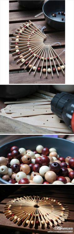 Palitos de helado y cojines de cuentas de madera hacen tales ideas es como, ¿verdad?