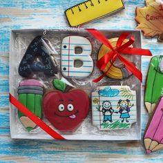 Продано #пряниквмоскве #sweet #расписноепеченье #пряникимосква #cookiedecorating #имбирныйпряник #пряник #cookie #cookiedecorating #cookiesicing #icing #sweet #beautiful #decoratedcookies #cookieart #cookie #cookies #get_biscuit #пряникикоролев  #королёв #love #amazing #cute #summer  #like #smile #korolev #1сентября #школа #деньзнаний#school #вналичии  #пряникивналичии