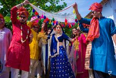 Are you looking for different styles of Phoolon Ki Chadar for your wedding? Here, find the most beautiful Phoolon Ki Chadar ideas for a bridal entry. Lilac Wedding, White Wedding Flowers, Wedding 2017, Wedding Trends, Wedding Bride, Diy Wedding, Wedding Ideas, Wedding Venues, Wedding Ceremonies