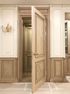 31 Ideas classic wooden door entrance for 2019 3 Panel Interior Doors, Craftsman Interior Doors, Frosted Glass Interior Doors, Custom Wood Doors, Wooden Doors, Arched Doors, Entrance Doors, Luxury Staircase, Classic Doors