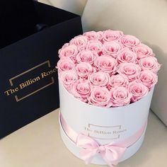 Luxury Flowers, Love Flowers, My Flower, Beautiful Flowers, Beautiful Flower Arrangements, Floral Arrangements, Billion Roses, Forever Rose, Box Roses